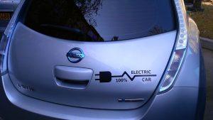 electric car nissan leaf