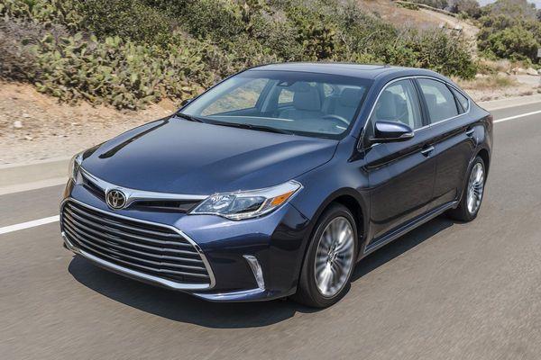7. Toyota Avalon Hybrid