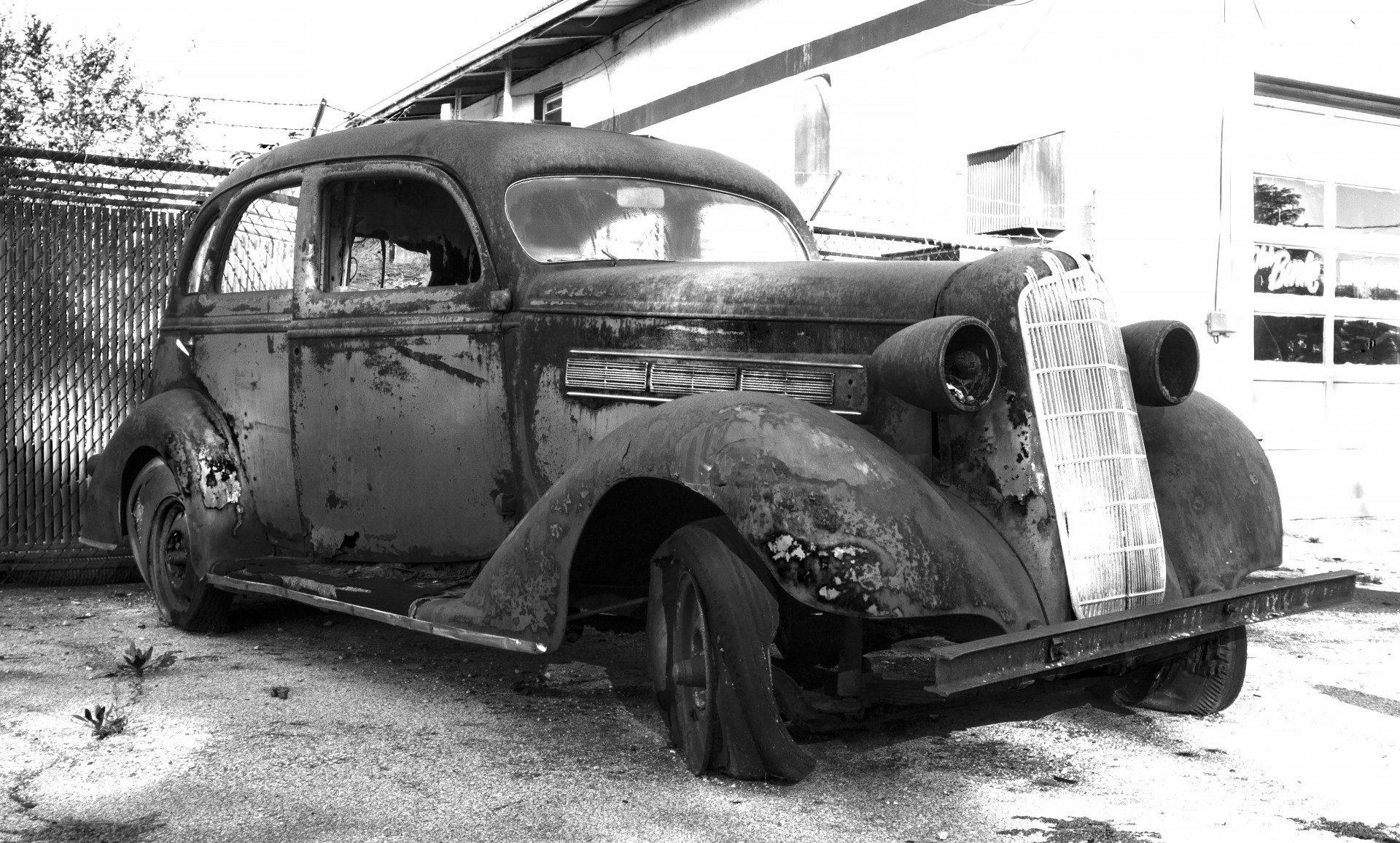 rusty car corrosion